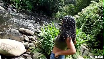 46817468d33fcd217b1b09dec32d99fb.1 - Safada dando na cachoeira - Full video http://ouo.io/Zit6lm